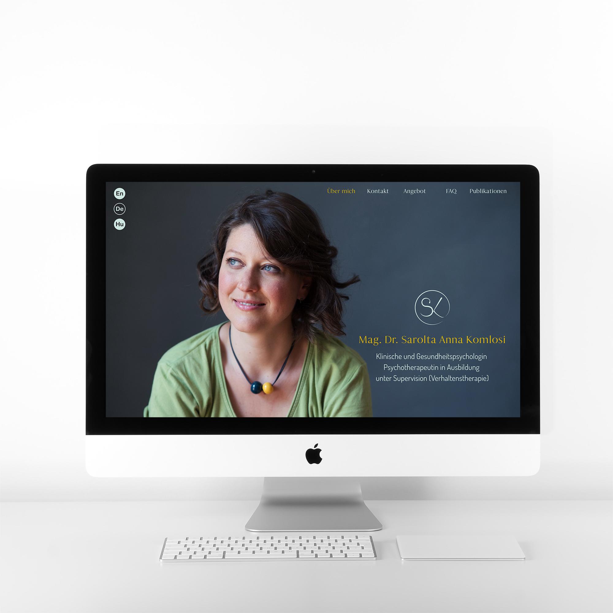 Dr. Sarolta Komlosi > UI Design